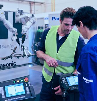 Robot and welding service training mood.jpg